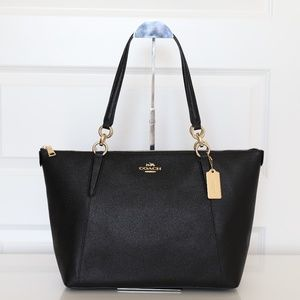 NWT Coach Crossgrain Ava Zip Tote in Black